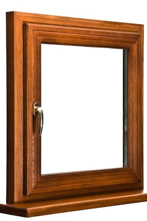 Esempio di finestra in legno.