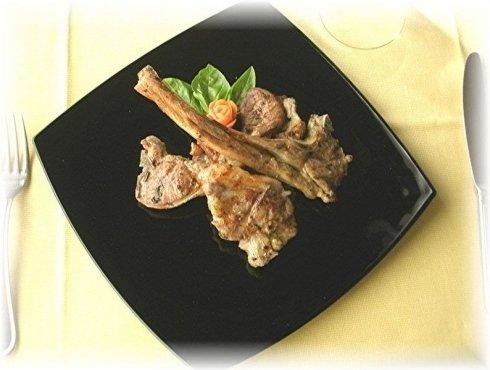 piatto nero carne