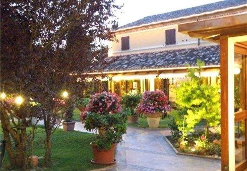 villa giardino vasi