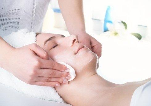 Presso il centro vengono eseguiti trattamenti specifici per la pulizia del viso.