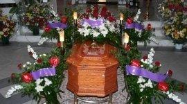 cofani funebri, pratiche cimiteriali, addobbi funebri