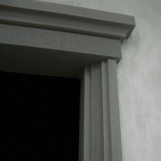 cornicione in marmo