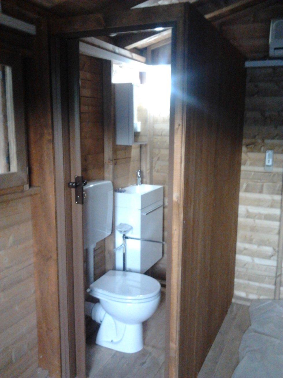Bagno interno casetta modello Miriam 300x400