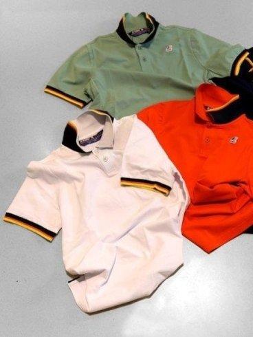 Tre magliette simili ma diversi colori:rosso,bianco e verde
