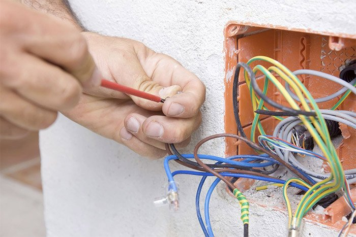 Electricians servicing Levin