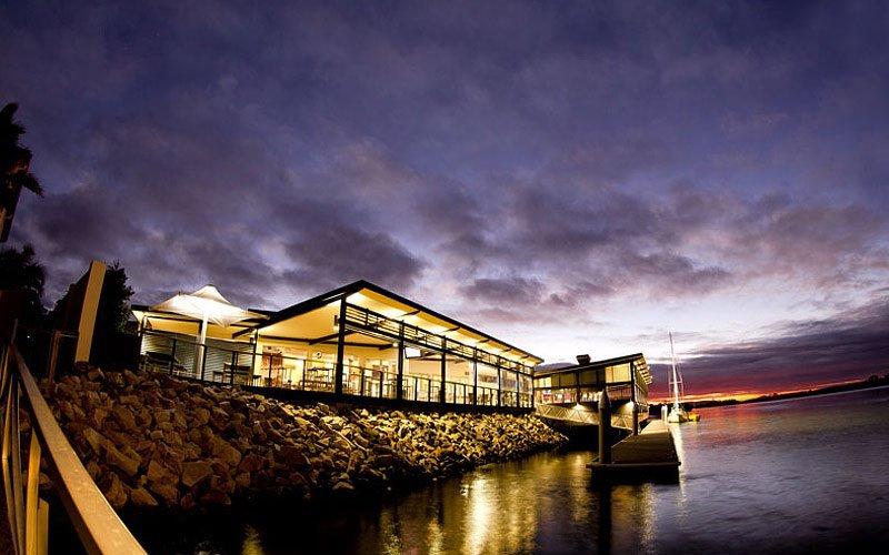 yamba shores tavern exterior sunset