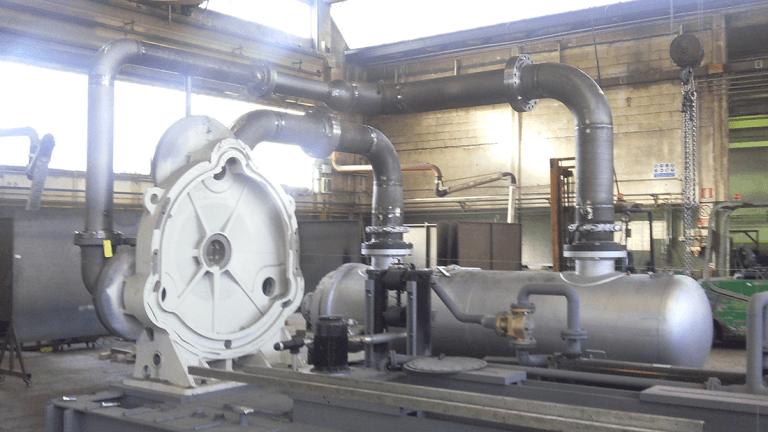 macchinario con tubi per areazione