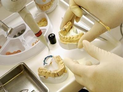 apparecchi e protesi