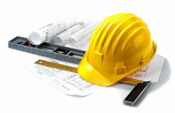 casco di sicurezza per progettazione impianto elettrico