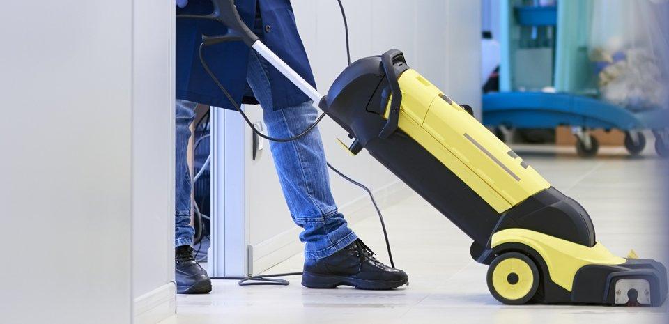 Vacuum cleaner servicing