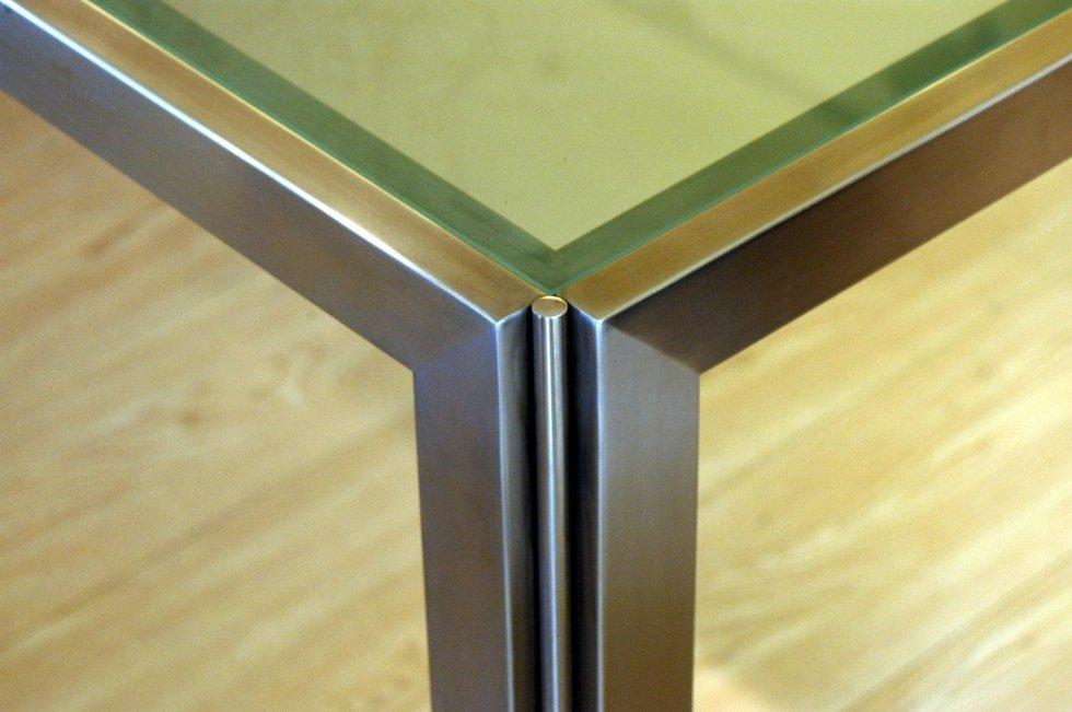 Gamba in metallo per tavolo