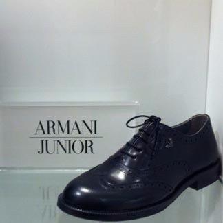 scarpa elegante della  marca Armani Junior