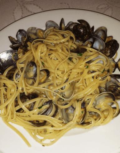 spaghetti e cozze, spaghettata di pesce, cena a base di pesce, pranzo, pesce