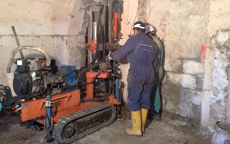 small diametre soil drilling