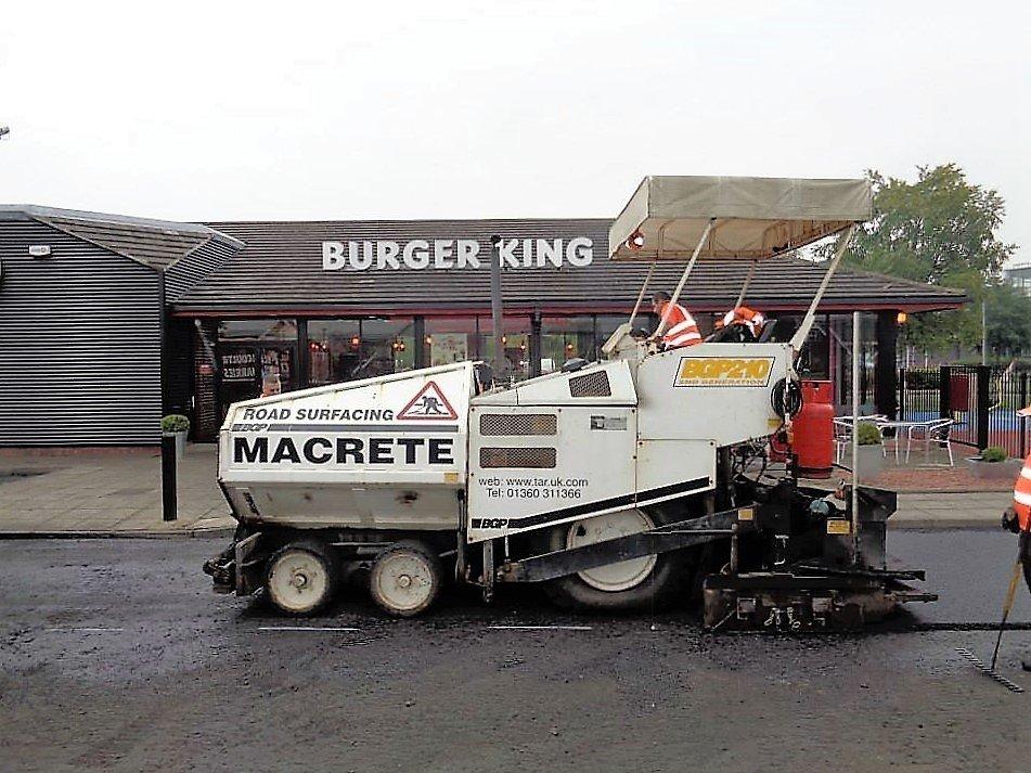 Road servicing wagon