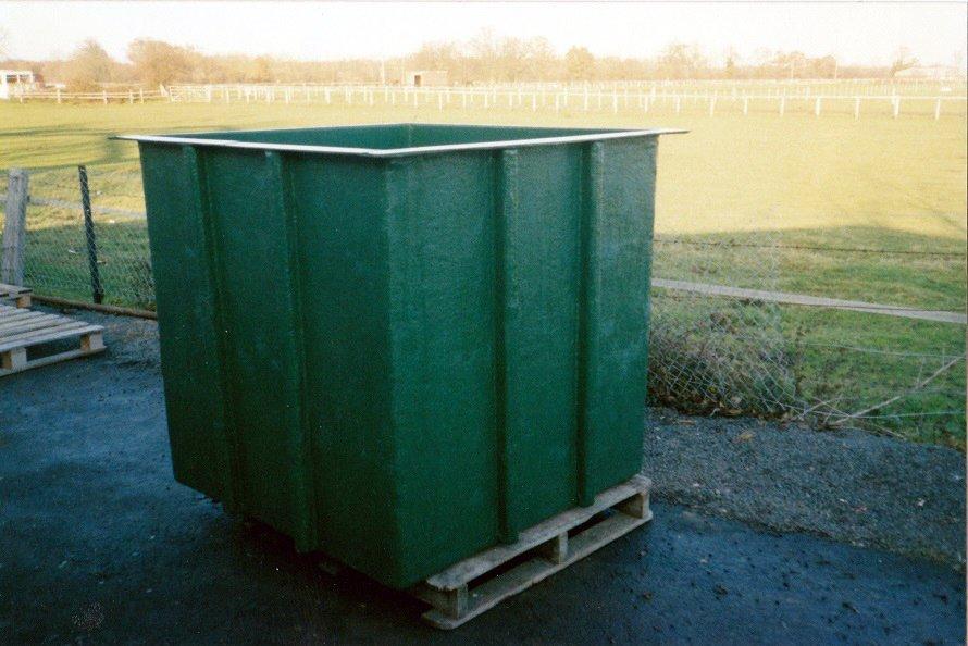 10-glass fibre tank