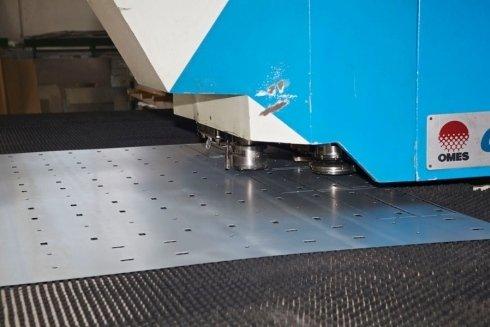 macchinario taglio laser