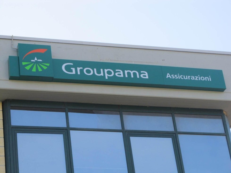 Groupama sign box