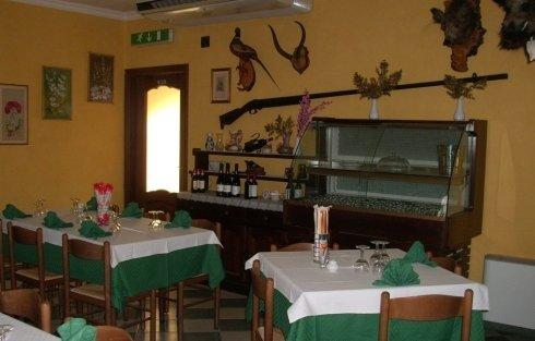 Sala piano terra ristorante Caccia Reale