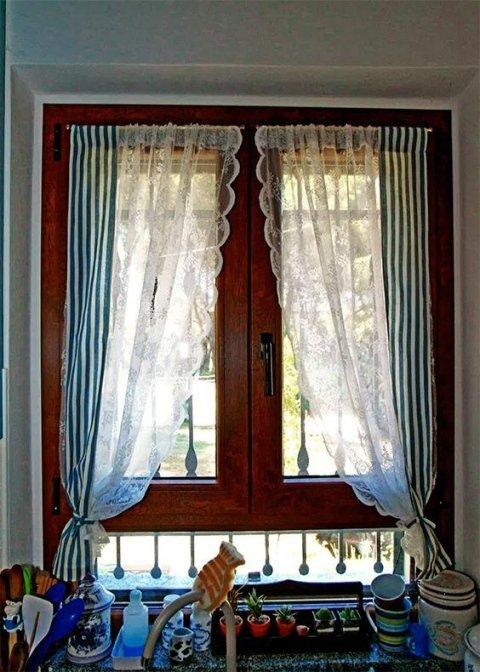 Vista interna finestra in legno