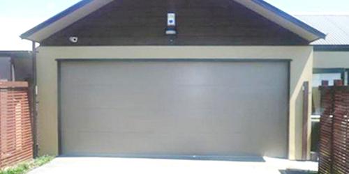 Garage door provided by Auckland's expert door installer