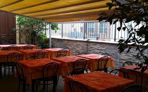 sala esterna pizzeria