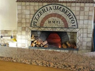 ristorante con forno a legna