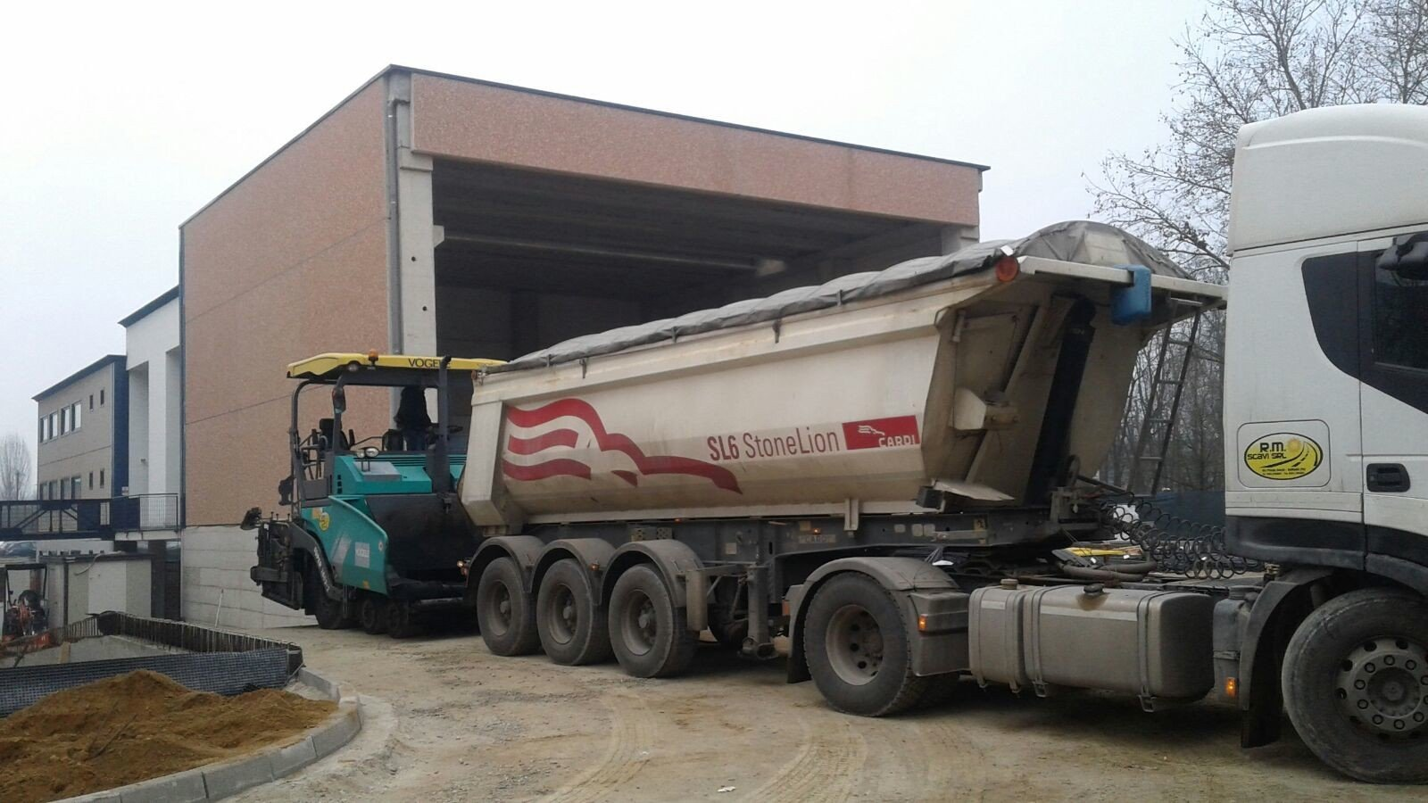 camion colore bianco