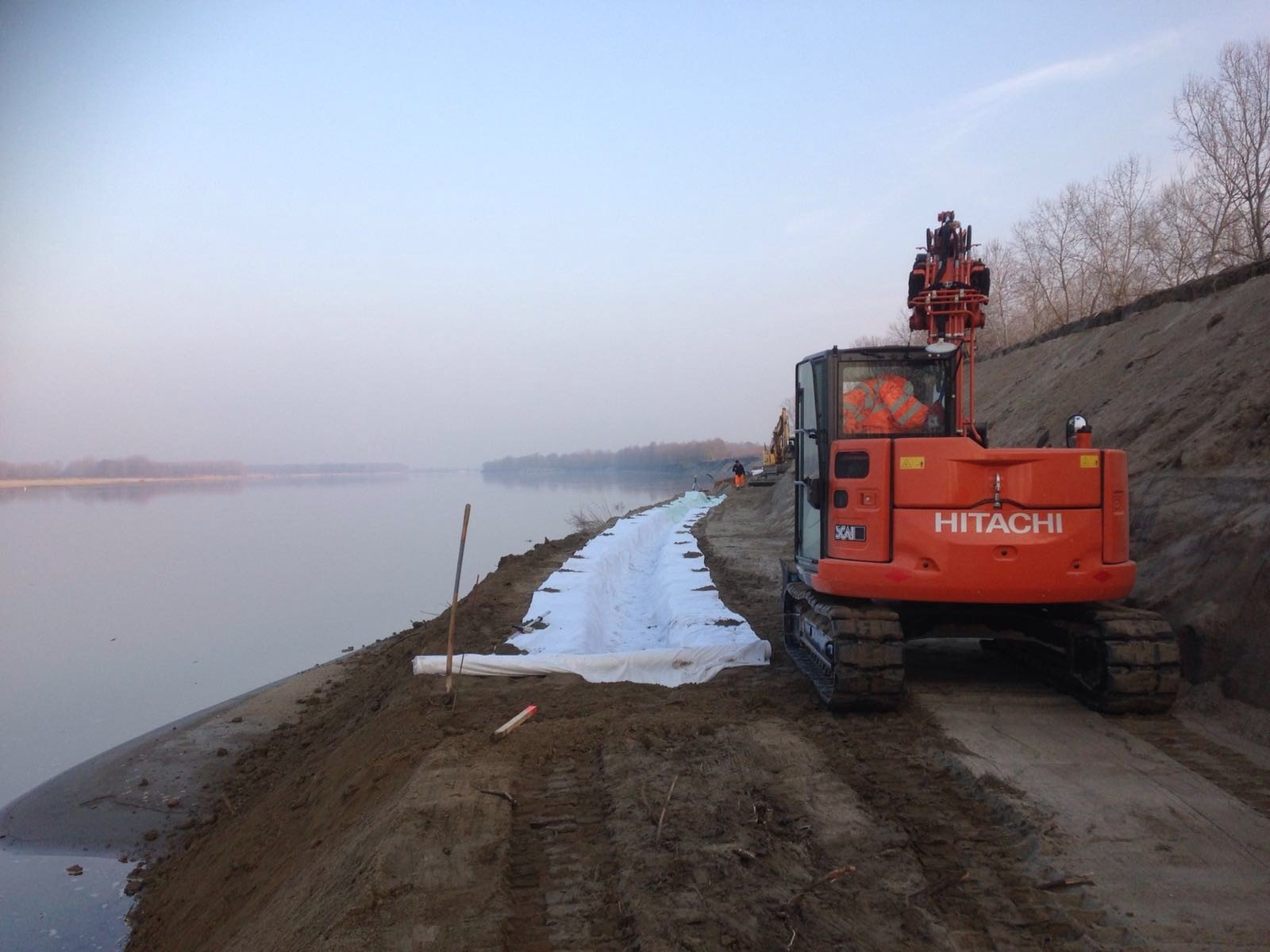 sistemazione sponde del fiume