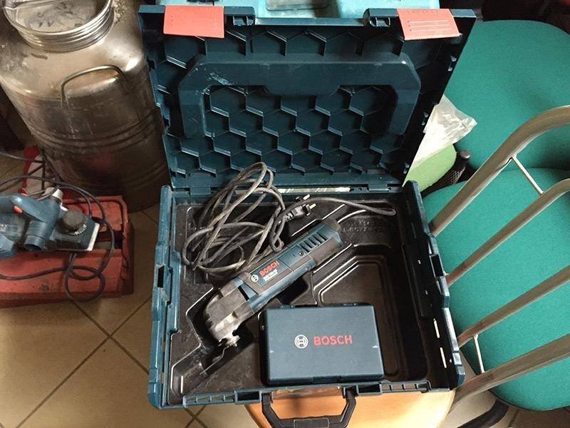 Utensile-multifunzione-Bosch--GOP-250-CE-Professional---valigia-con-accessori