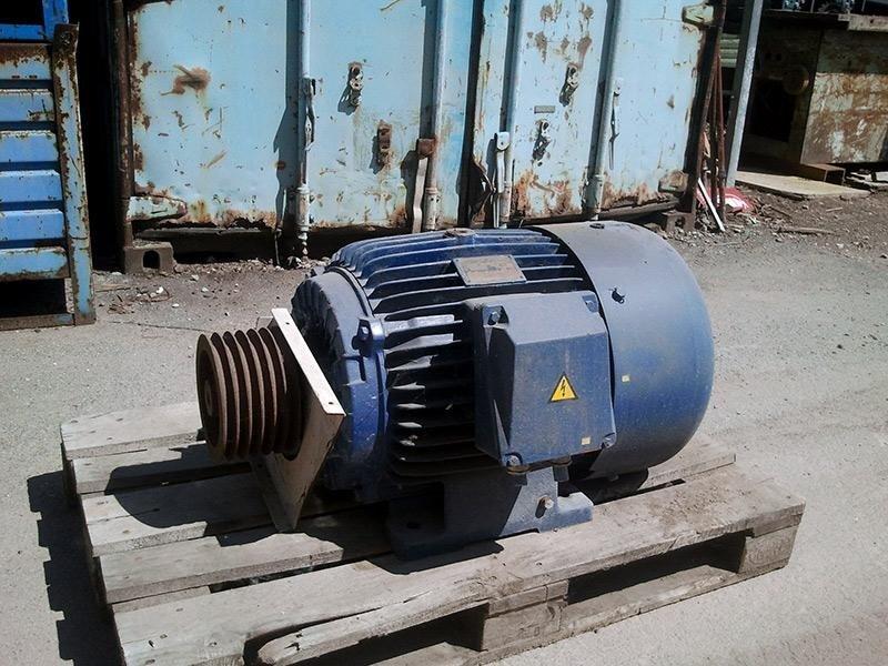 Mescolatore-a-vomere-MIX-mod.-MXC2400---motore