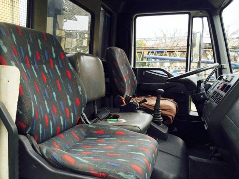 Eurocargo-ribaltabile-75E12---interno-cabina