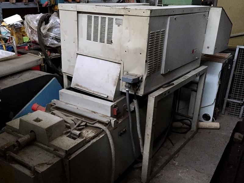 Distruttore-di-documenti-trituratore-imballatore-industriale-Schleicher-fronte