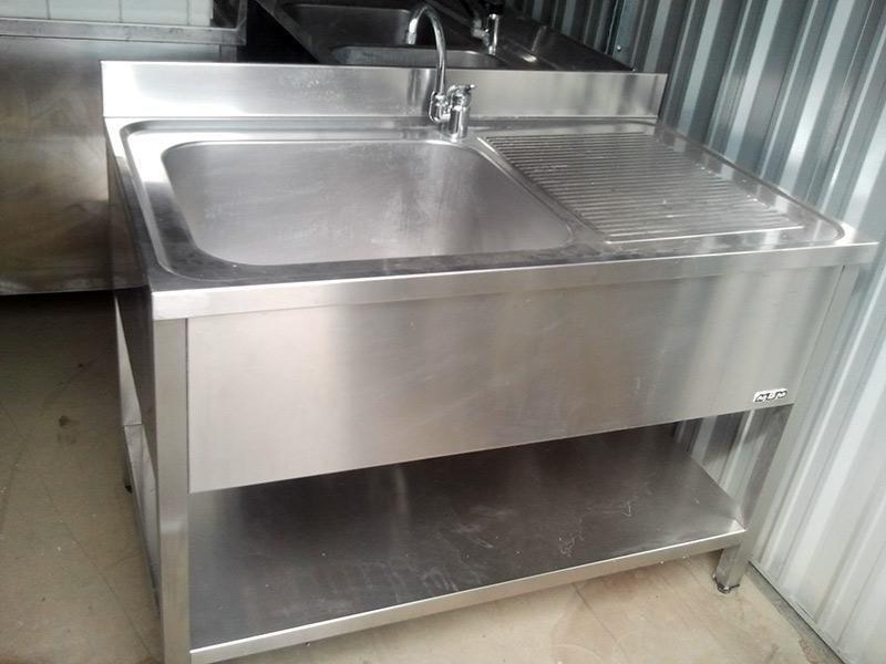 Lavello-in-acciaio-con-mobiletto---1-vasca