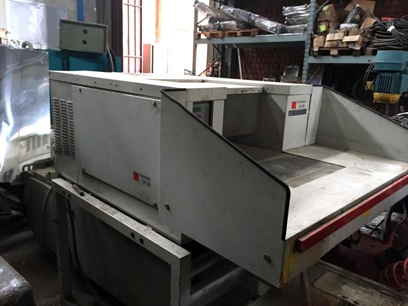 Distruttore-di-documenti-trituratore-imballatore-industriale-Schleicher