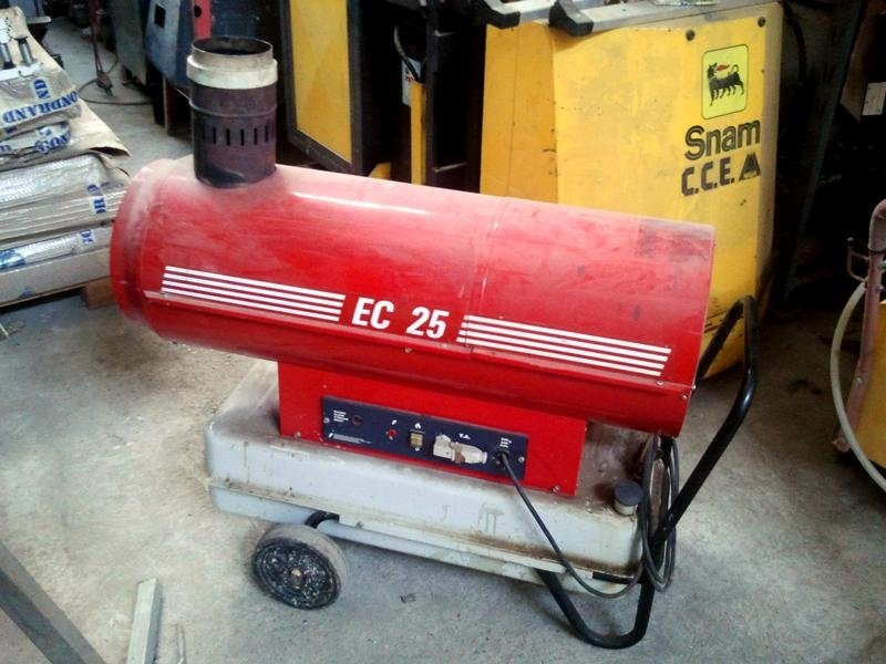 Generatore-aria-calda-mobile-EC-25-a-gasolio