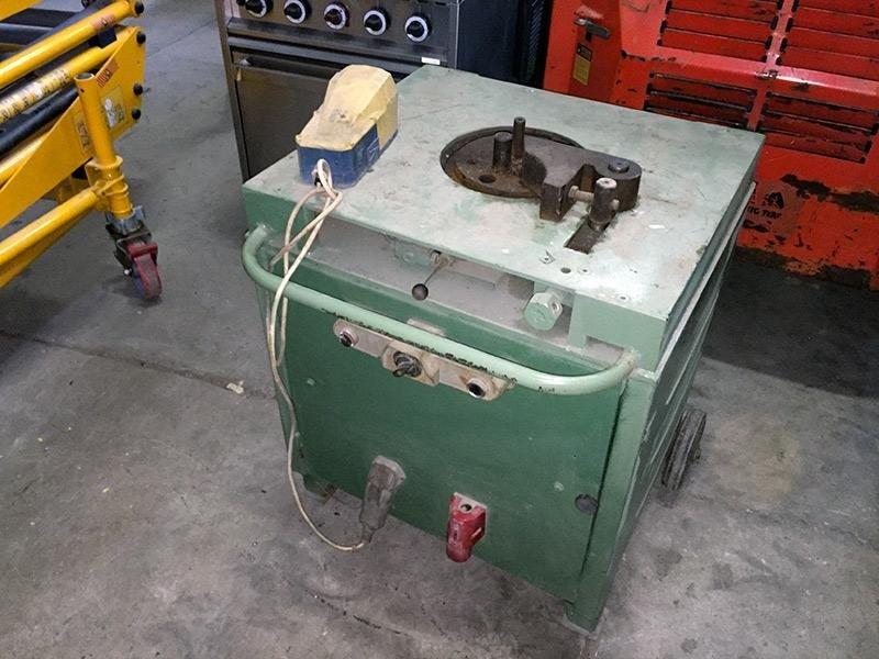 Piegaferro-verde---macchinario