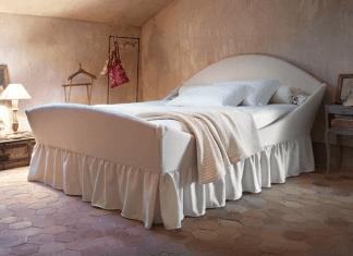 letto con materasso e cuscini di Tronu Arredamenti a Cagliari