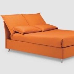 letto arancione design contemporaneo