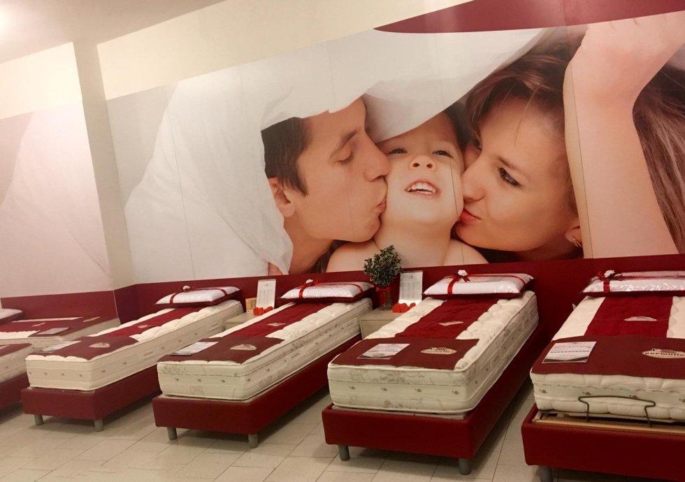 esposizione di materassi permaflex in negozio