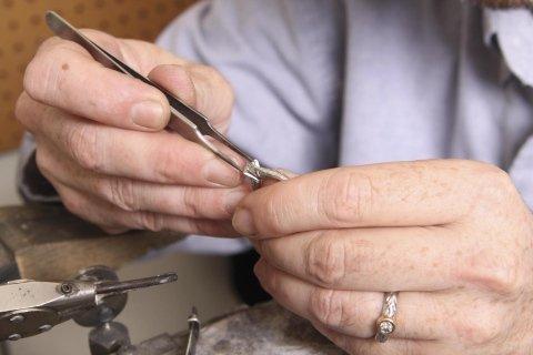 Jewellery support