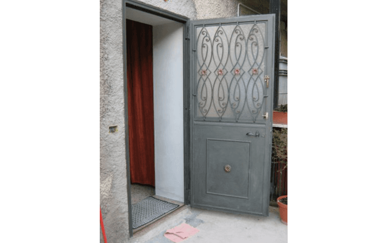 porta in ferro, lavorazione ferro, ferro battuto, Palombara in Sabina, Roma