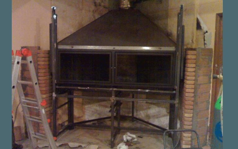 caminetti, camini, bracieri, bracieri per ristoranti, porta in ferro, lavorazione ferro, ferro battuto, Palombara in Sabina, Roma