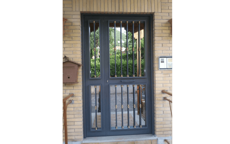 porte in ferro battuto,  Palombara sabina, Roma
