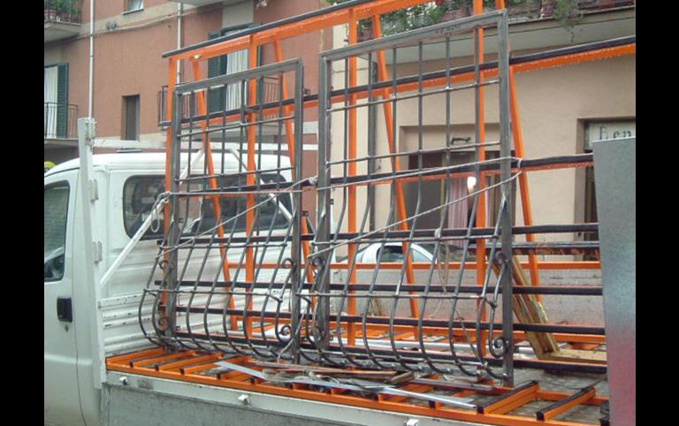 costruzione di grate in ferro, grata in ferro, lavorazione ferro, ferro battuto, Palombara in Sabina, Roma