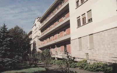 struttura per anziani con parco esterno
