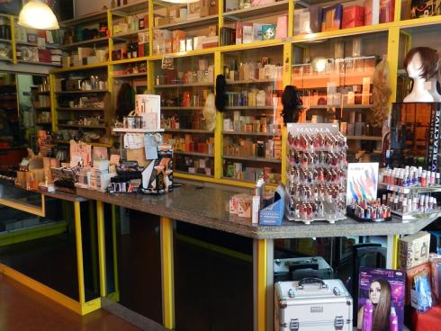 Stai per aprire un centro estetico? Da Solange e Veruscka troverai una serie di prodotti per i trattamenti di bellezza.