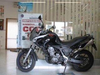 Moto Aprilia 600 cc