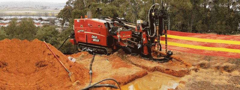 tr civils a red drilling machine