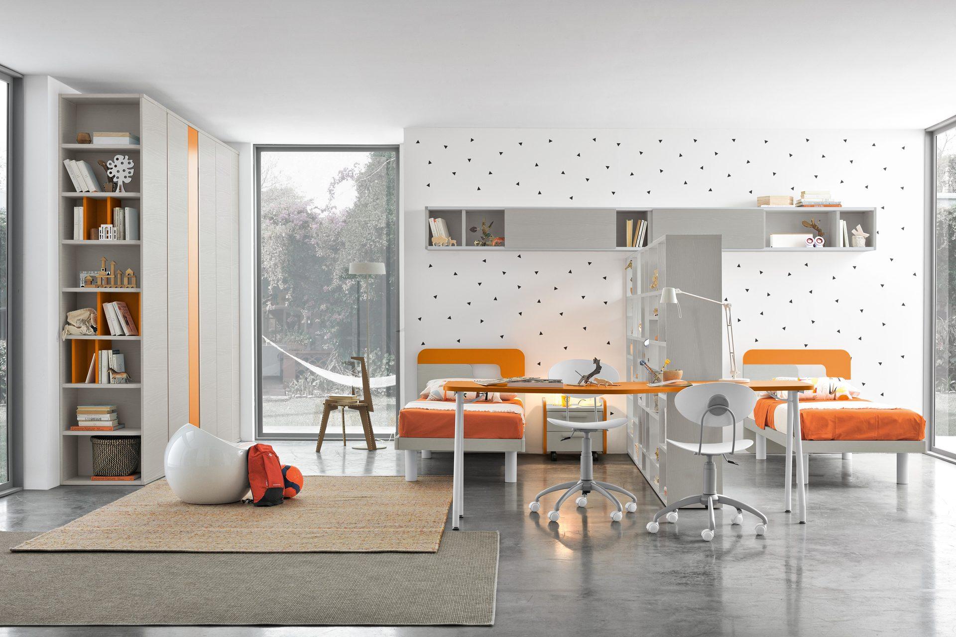cameretta a tonalità arancione